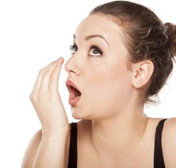 As 3 principais causas do mau hálito