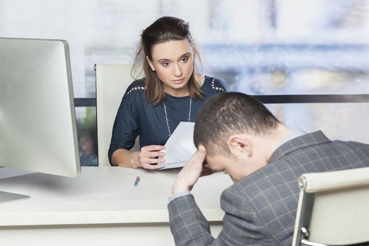 O mau hálito pode interferir no trabalho!