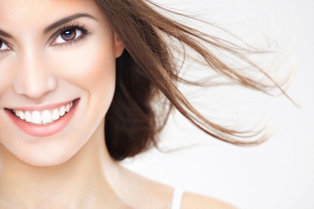 colocar lente de contato dental